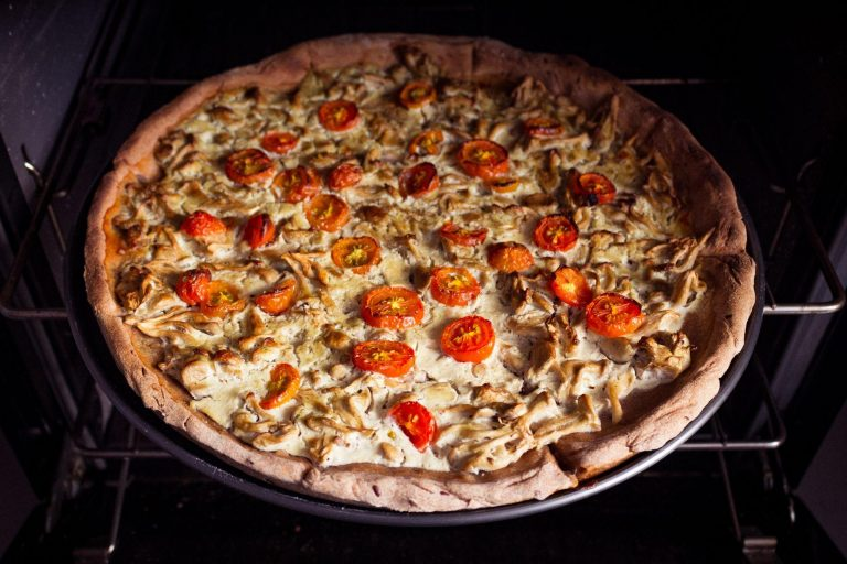 The BEST BBQ Chicken Pizza